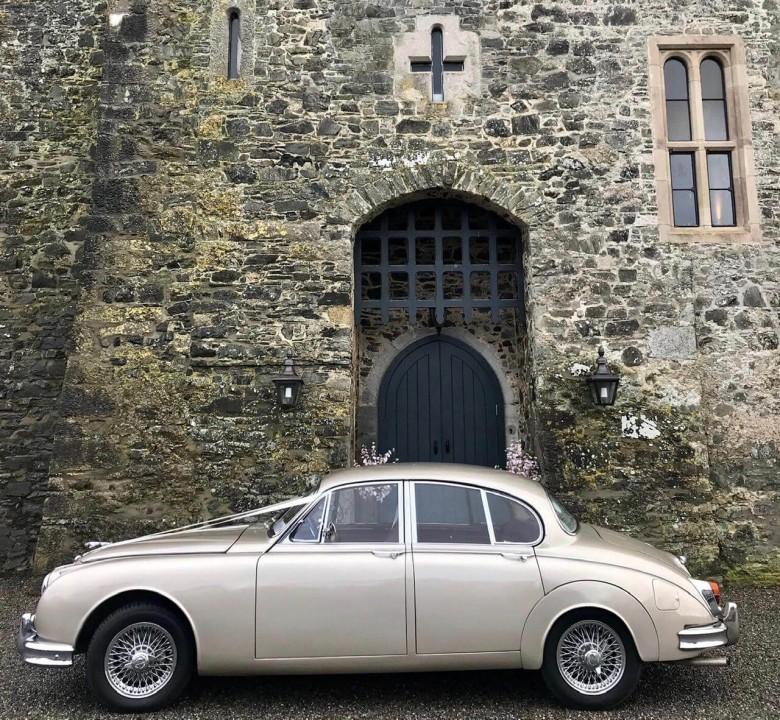 classic-wedding-car-limo-hire-ireland-10
