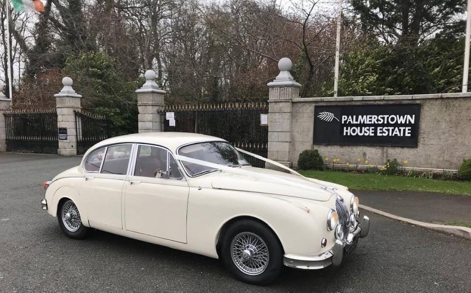 classic-wedding-car-limo-hire-ireland-11