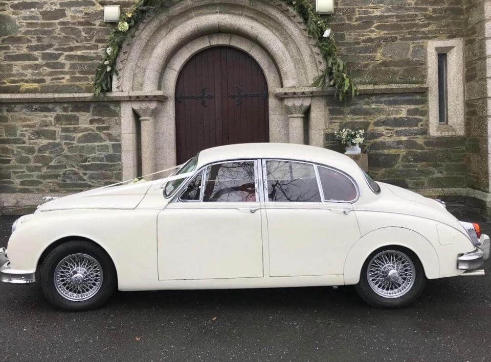 classic-wedding-car-limo-hire-ireland-12