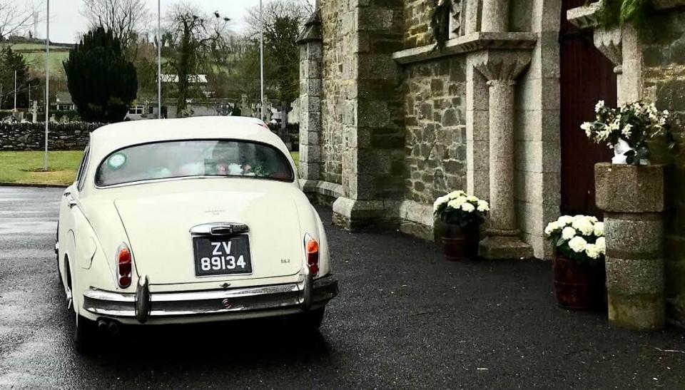 classic-wedding-car-limo-hire-ireland-13