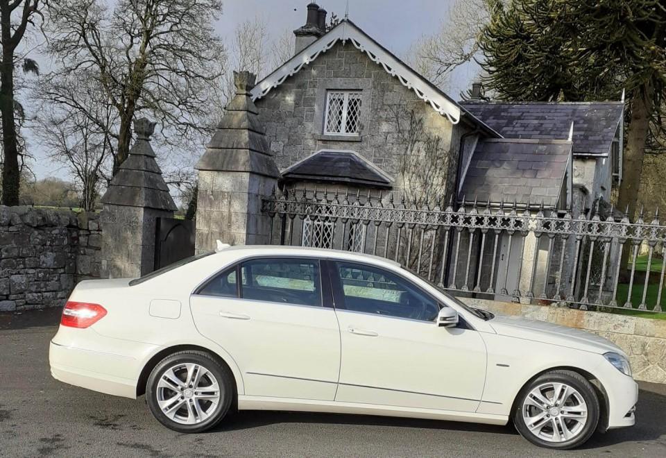 classic-wedding-car-limo-hire-ireland-16
