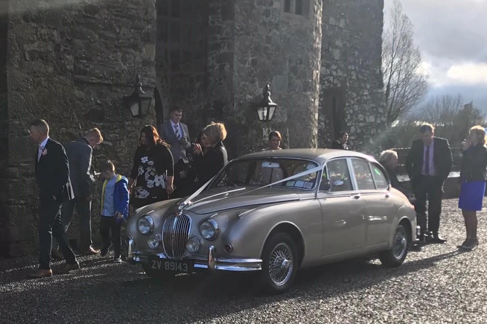 classic-wedding-car-limo-hire-ireland-4