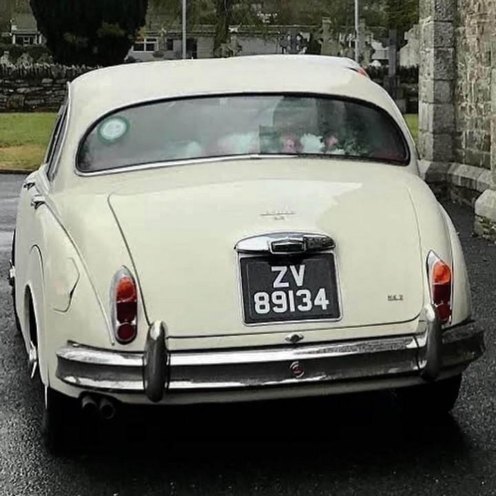 classic-wedding-car-limo-hire-ireland-6