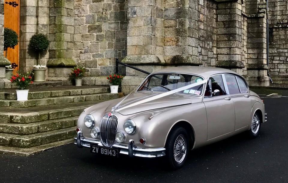 classic-wedding-car-limo-hire-ireland-7