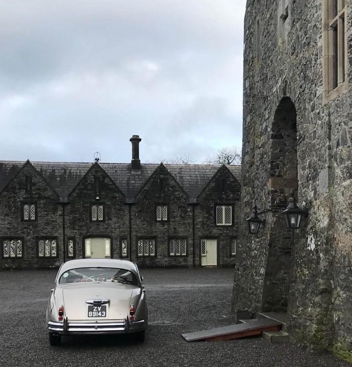 classic-wedding-car-limo-hire-ireland-8