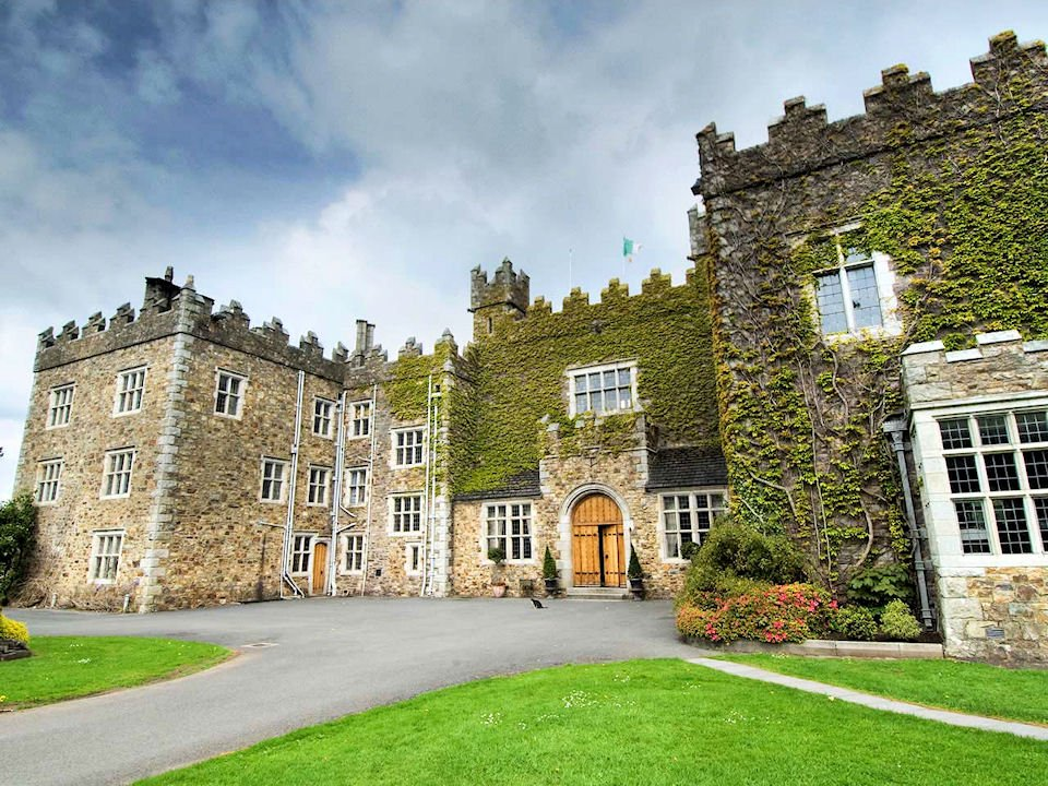 Waterford castle hotel golf resort weddings waterford for Castle haven cabins
