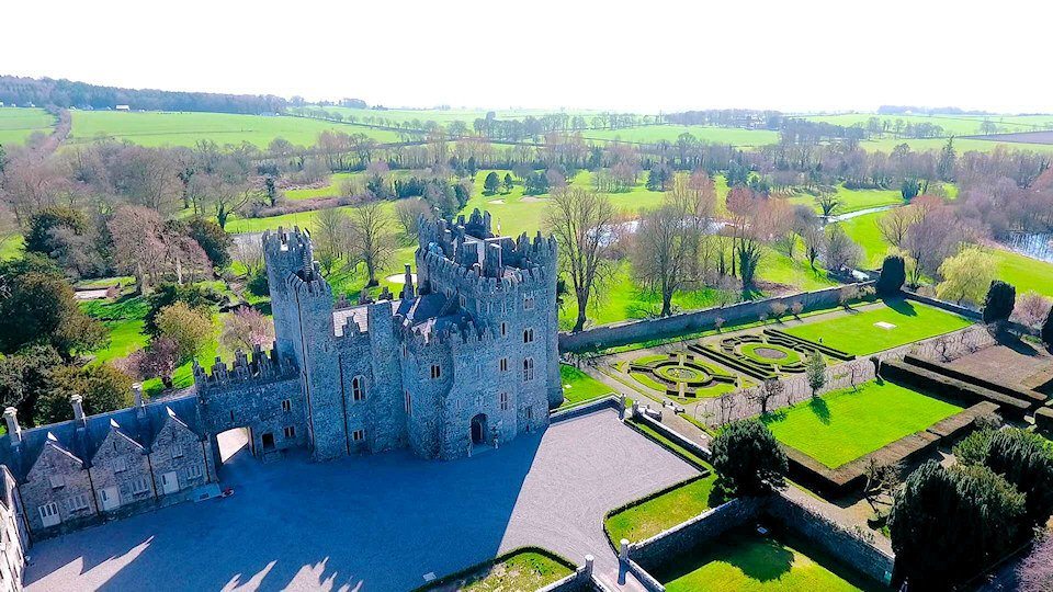 Kilkea castle weddings kildare find every wedding venue for Kildare castle